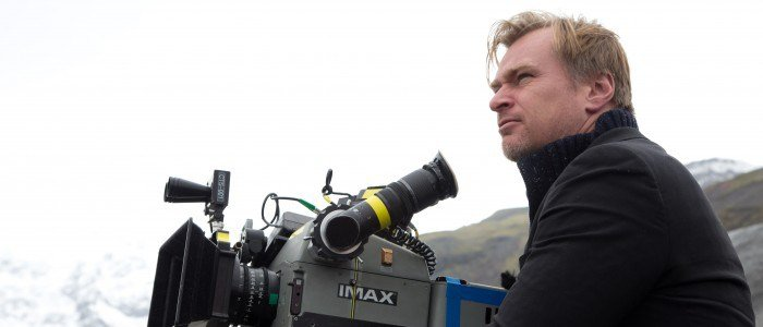 Christopher-Nolan-directing-Interstellar1-700x300